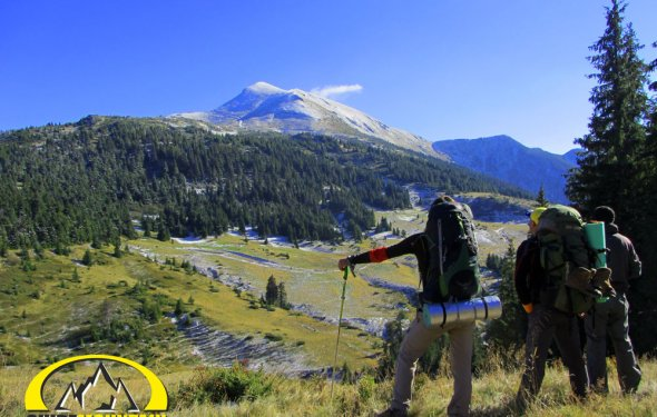 Пеший поход в горы - один из
