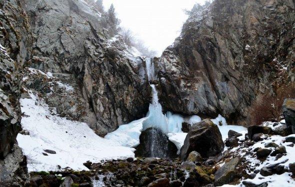 Аламединское ущелье (водопад)